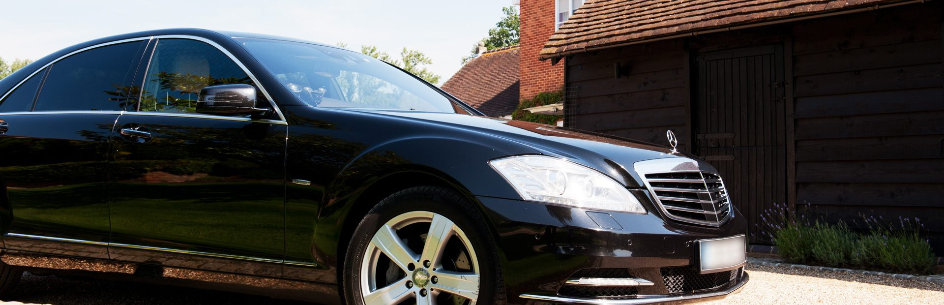 Luxury chauffeur car service in Surrey